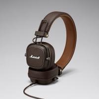 Ενσύρματα ακουστικά Major III της Marshall με μικρόφωνο και χειριστήριο σε καφέ