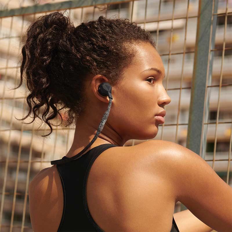 Bluetooth earbuds FWD-01 της Adidas