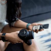 Συσκευή μασάζ Hypervolt Plus Bluetooth της Hyperice